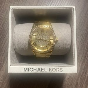 🎉 Michael Kors Watch 🎉
